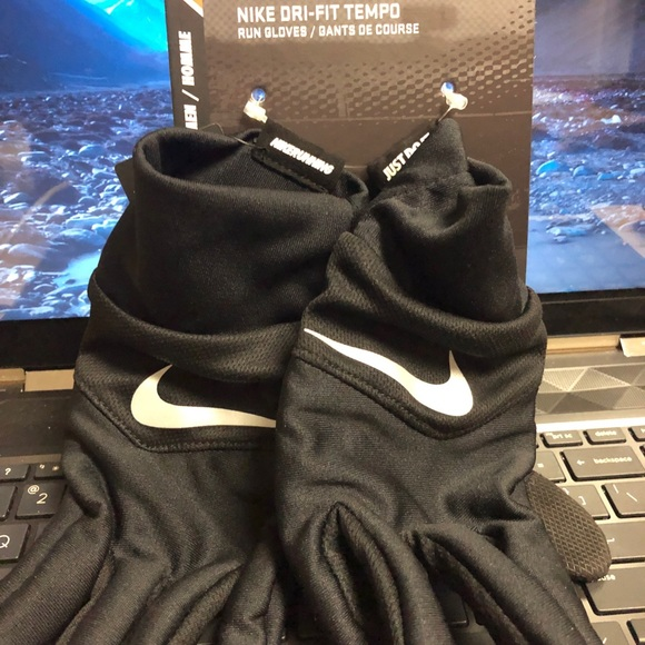 Nike Other - Nike Tempo running gloves